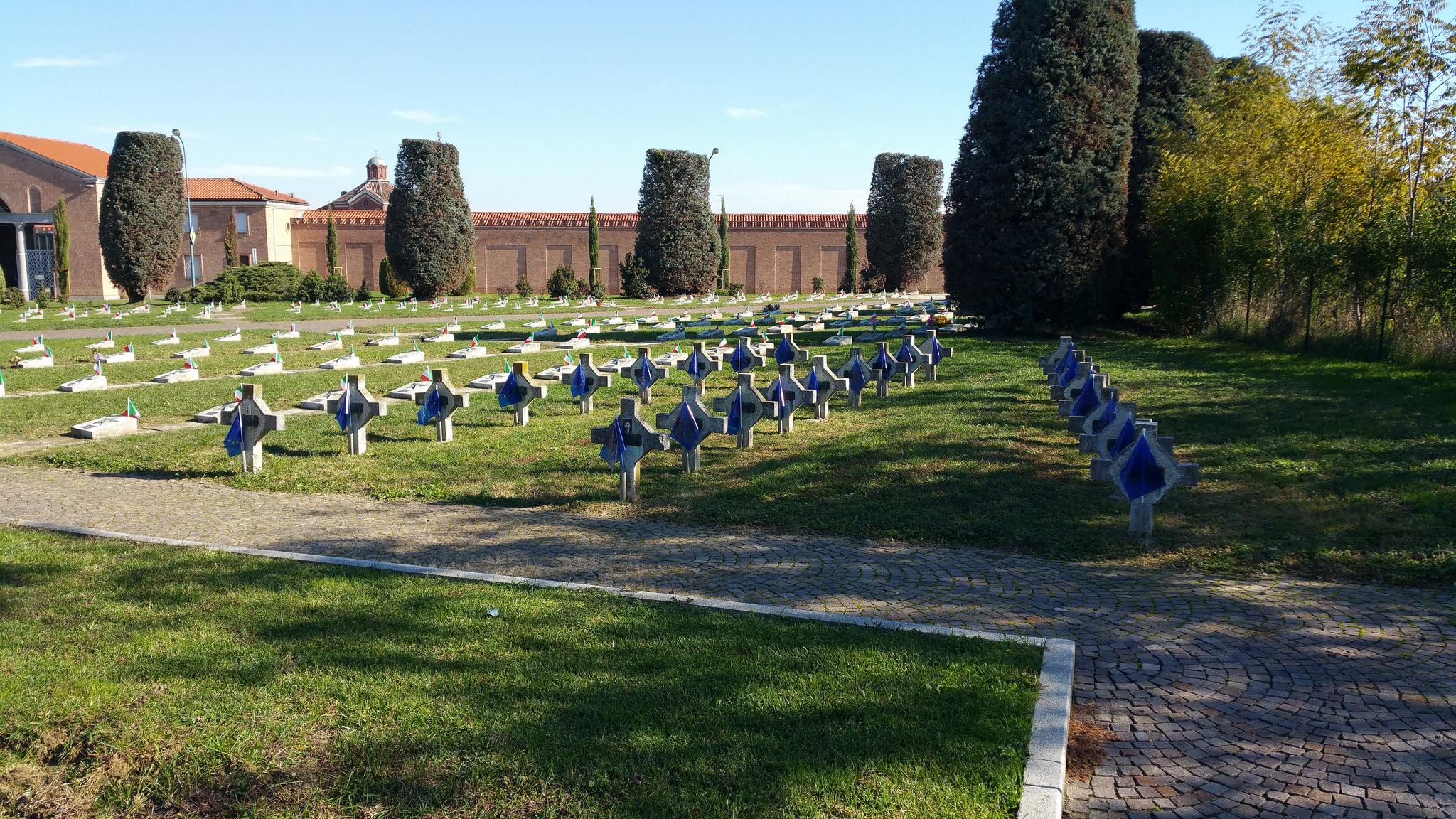 cimitero-au37AF301D-F932-87DB-2ADF-6DAEEFBB08B8.jpg